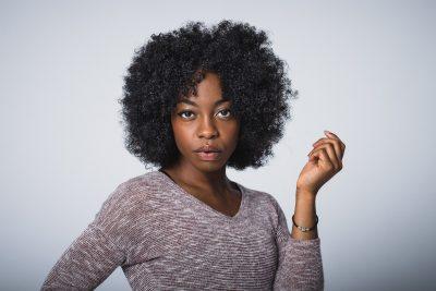 cheveux-naturels-afro-faut-il-les-cacher-pour-aller-au-bureau